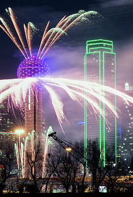 Dallas Skyline Photograph - New Years Dallas 041717 by Rospotte Photography