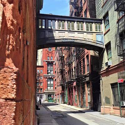 Photograph - New York Alley by Lori Strock