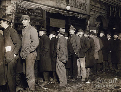 Photograph - New York: Bread Line, 1907 by Granger