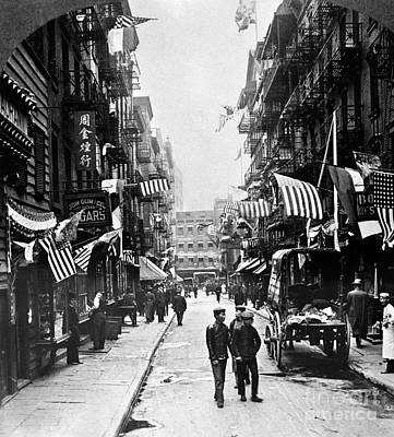 Photograph - New York : Chinatown, 1909 by Granger