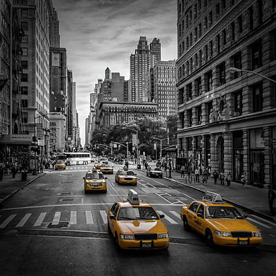 Streetscenes Photograph - New York City 5th Avenue Traffic by Melanie Viola
