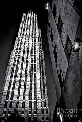 Photograph - New York City Sights - Skyscraper by Walt Foegelle