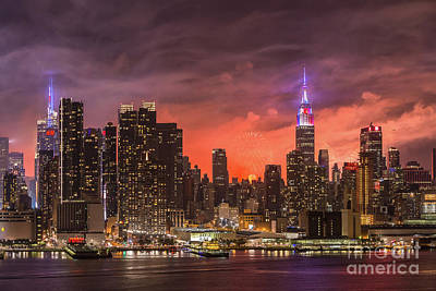 Photograph - New York City Skyline And Fireworks Vi by Clarence Holmes