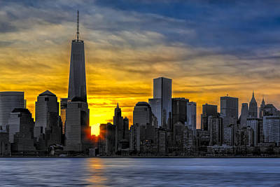 Landscape Photograph - New York City Skyline At Dawn by Susan Candelario
