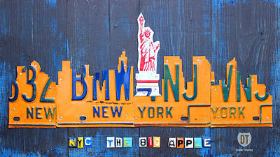 Recycle Mixed Media - New York City Skyline License Plate Art by Design Turnpike