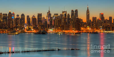 Photograph - New York City Skyline Morning Twilight Ix by Clarence Holmes
