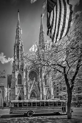 New York City St Patrick's Cathedral - Monochrome Art Print