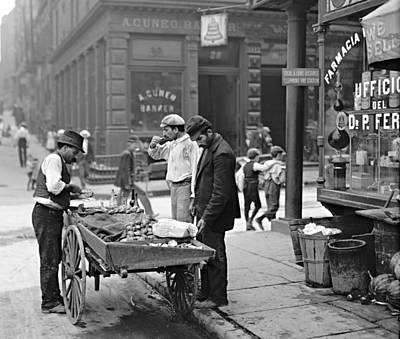 New York Clam Seller In Mulberry Bend 1900 Art Print