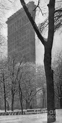 Photograph - New York, Flatiron, 1903.  by Granger