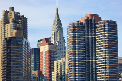 Photograph - New York City - Chrysler Building And Midtown Manhattan Apartments by Peter Potter