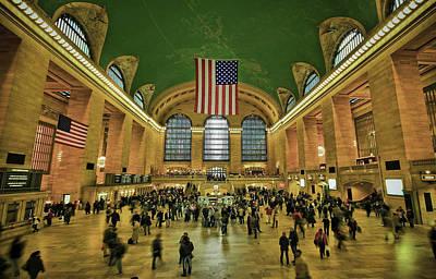 Symmetry Photograph - New York Minute by Evelina Kremsdorf