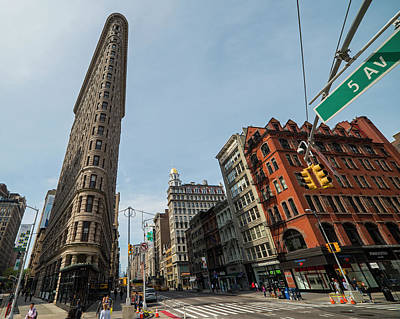Photograph - New York Ny Flatiron Building Fifth Avenue by Toby McGuire
