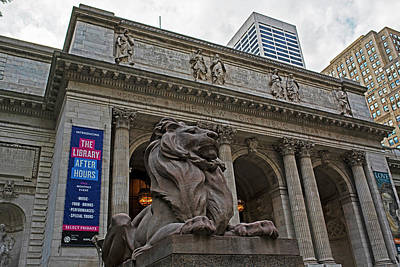 Photograph - New York Public Library New York Ny Fifth Ave Lion by Toby McGuire