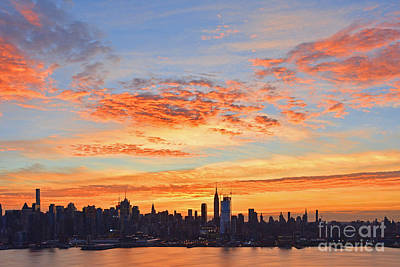 New York Skyline Sunrise Clouds And Color Art Print