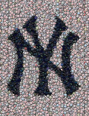 Ny Yankees Mixed Media - New York Yankees Bottle Cap Mosaic by Paul Van Scott