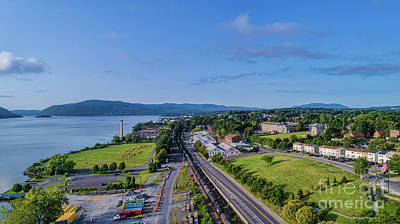 Photograph - Newburgh Waterfront Looking South 4 by Joe Santacroce