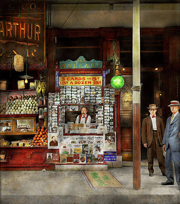 Newsstand - Standing Room Only 1908 Art Print by Mike Savad