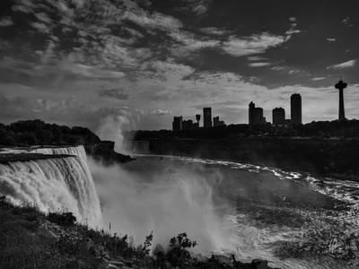 Niagara Falls 001 Bw Art Print by Lance Vaughn