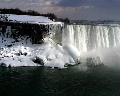 Niagara Falls 6 Art Print by Anthony Jones