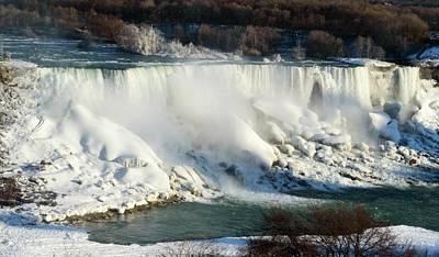 Photograph - Niagara Falls At Winter by Garvin Hunter