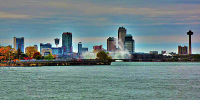 Photograph - Niagara Falls River View by Leslie Montgomery