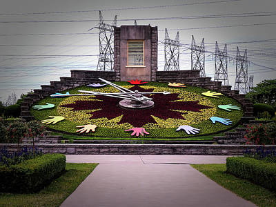 Photograph - Niagara Floral Clock June 2017 by Leslie Montgomery