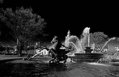 Photograph - Nichols Fountain by Jim Mathis