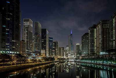 Columbus Drive Photograph - Nighttime Chicago River And Skyline View by Sven Brogren
