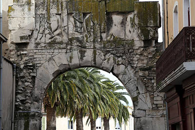 Photograph - Nimes Archway by Andrew Fare