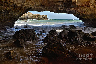 Photograph - Ninho Da Andorinha Beach Cave In Albufeira by Angelo DeVal