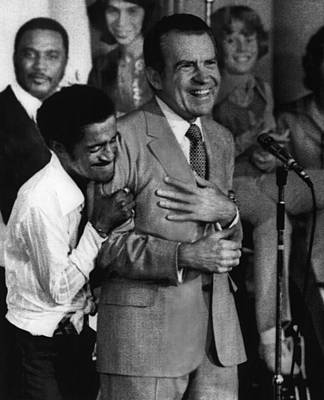 Bh History Photograph - Nixon Presidency.  Sammy Davis Jr by Everett