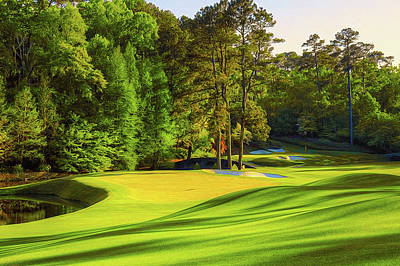 No. 11 White Dogwood 505 Yards Par 4 Art Print