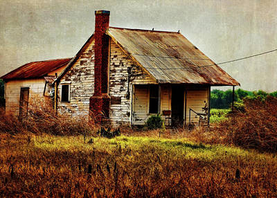 Natchitoches Photograph - Nobody's Home by Judy Vincent