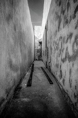 Photograph - Noho Alleyway by YoPedro
