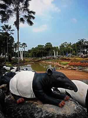 Photograph - Nong Nooch Gardens 13 by Ron Kandt