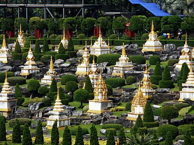 Photograph - Nong Nooch Gardens 30 by Ron Kandt