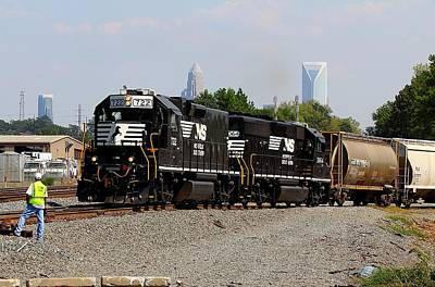 Photograph - Norfolk Southern 722 by Joseph C Hinson Photography