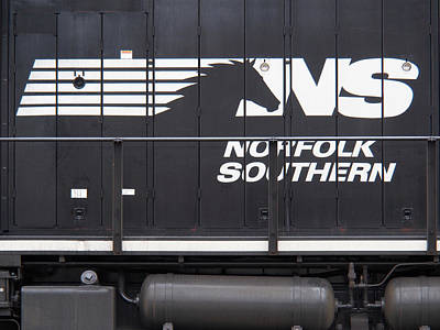 Norfolk Wall Art - Photograph - Norfolk Southern Emblem  by Mike McGlothlen