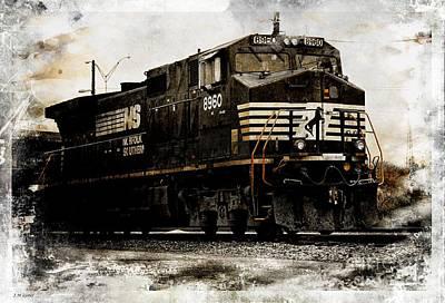 Che Digital Art - Norfolk Southern Engine 8960 IIi by J M Lister
