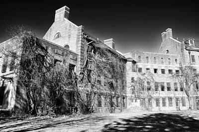 Abandoned Insane Asylum Photograph - Norristown State Hospital by Bill Cannon