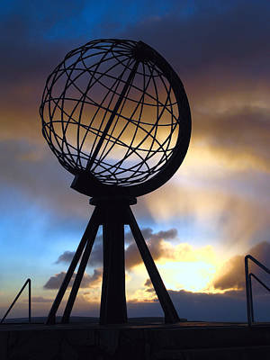 Land Of The Midnight Sun Photograph - North Cape Norway - The End Of The World by Daniel Hagerman