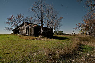 Farm In Woods Photograph - North Dakota Shed by Tom Phelan