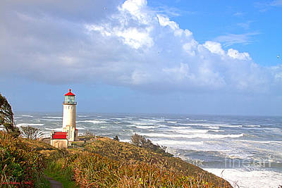 North Head Lighthouse Art Print by Larry Keahey