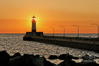 Photograph - North Pierhead Lighthouse by Garry McMichael