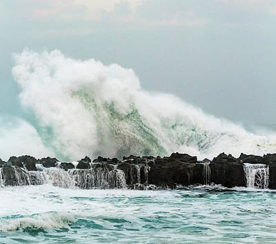 Photograph - North Shore Swell by Leigh Anne Meeks