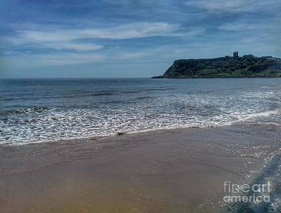 Photograph - The North Bay At Scarborough 4 by Joan-Violet Stretch