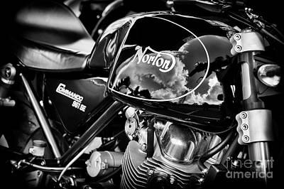 Norton Commando 961 Se Art Print by Tim Gainey