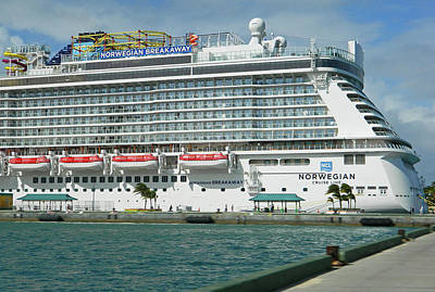 Photograph - Norwegian Breakaway In Nassau Bahamas by Emmy Vickers