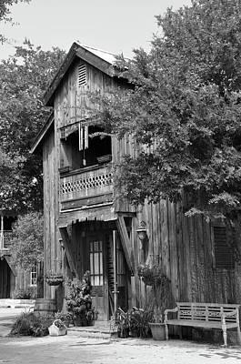 Photograph - Nostalgic 5 by Teresa Blanton