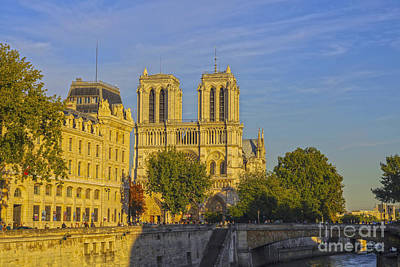 Photograph - Notre Dame At Sunset by Patricia Hofmeester